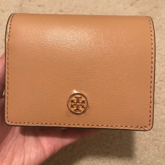 cd31ac9a9ce3 Tory Burch Parker foldable mini leather wallet